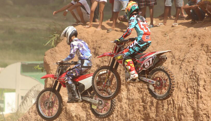 A terceira etapa do Estadual de Motocross conta com dez categorias.
